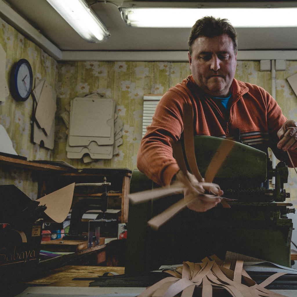 LM Schlosser Leder- und Metallwarenverarbeitung Musikinstrumentenzubehör